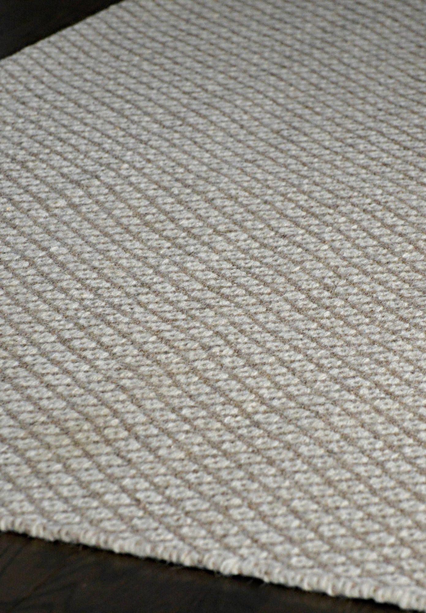Cotswald Natural Wool Woven Rug Hook Amp Loom
