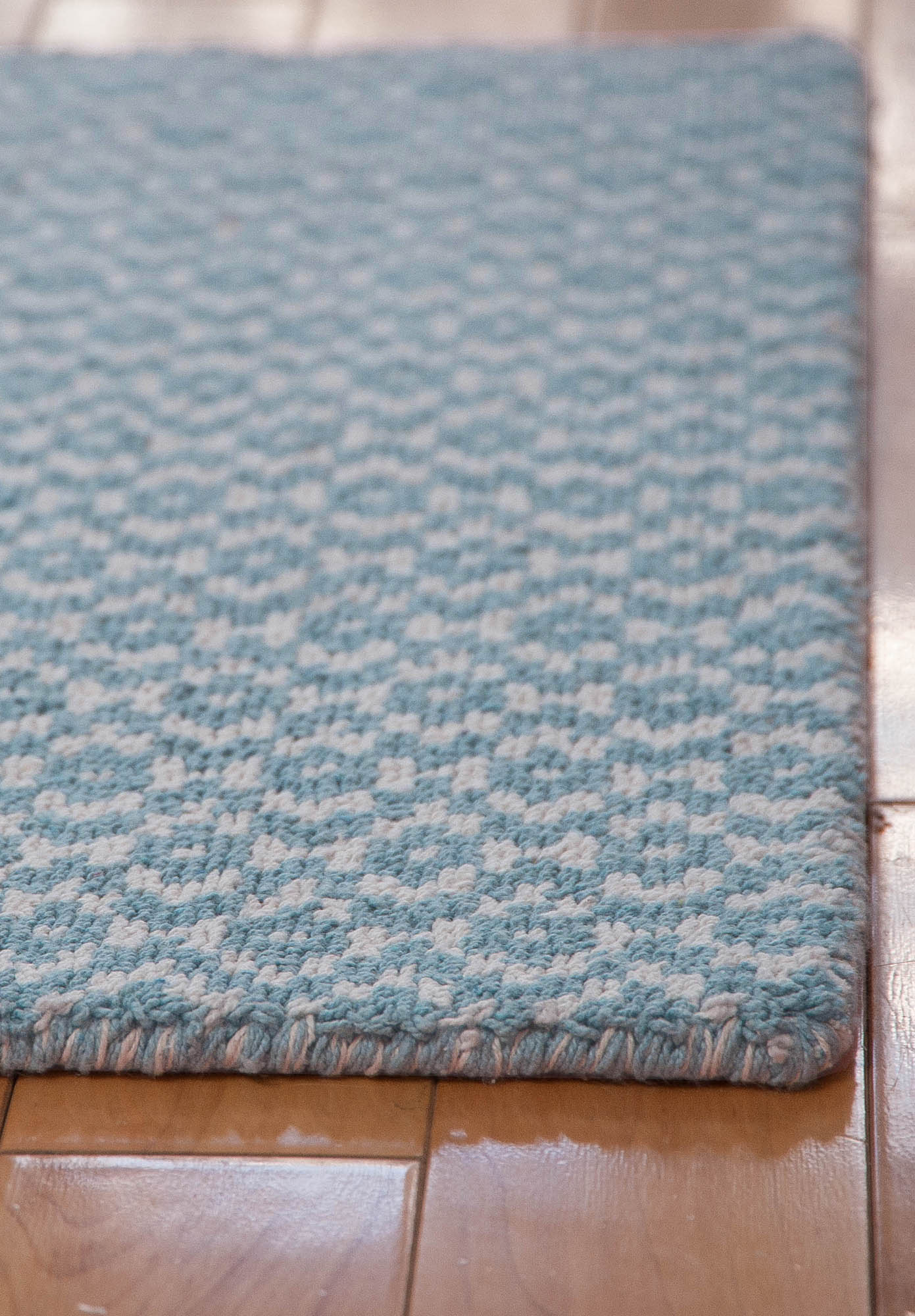 Toulouse Blue White Eco Cotton Loom Hooked Rug Hook Amp Loom